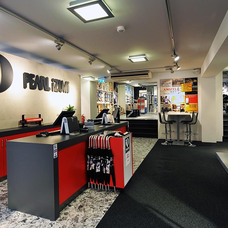 Pearl Izumi Factory Store - Foto 3