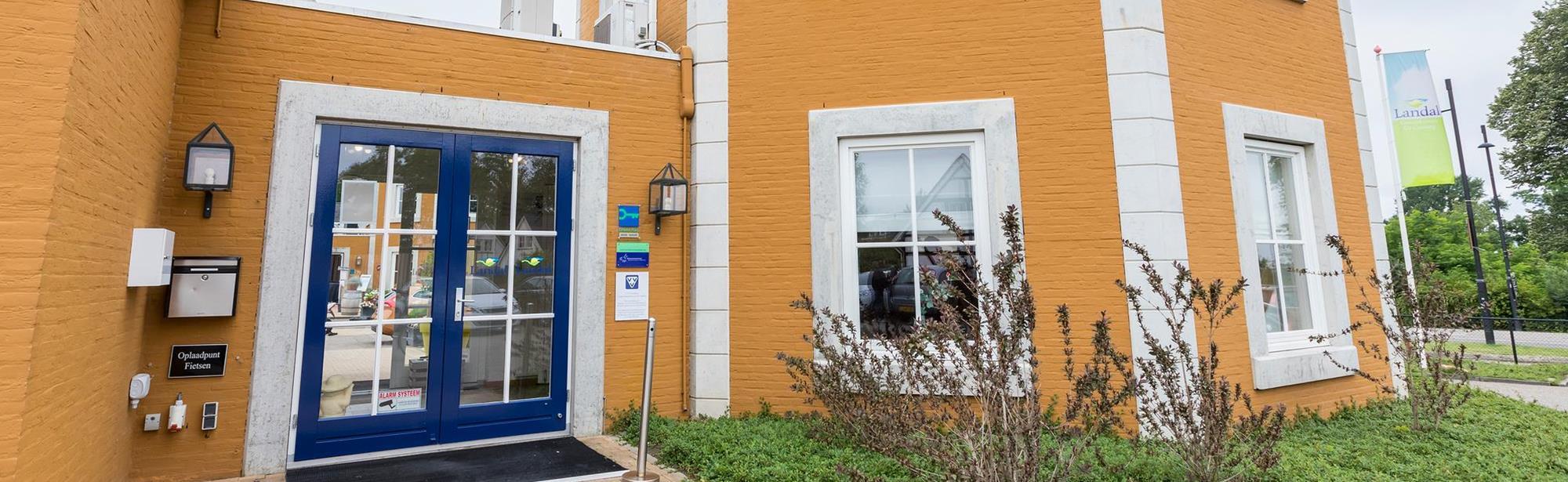 Visit Zuid-Limburg Folderpost Landal kasteelddomein de Cauberg
