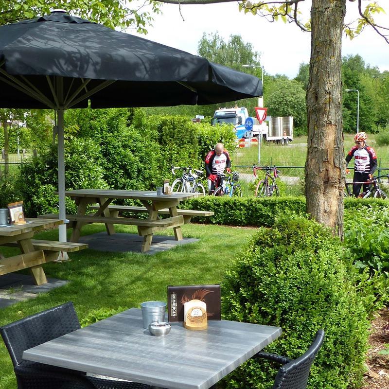 Koffiehuis & brasserie het IJzerenbos - Foto 1