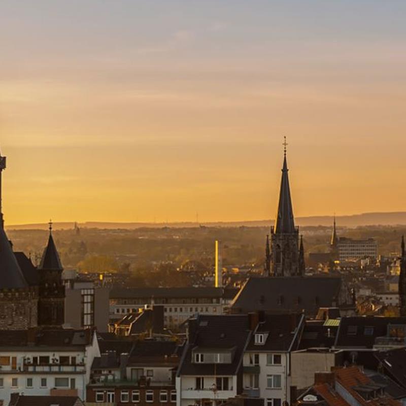 Hop On Hop Off CityTour Aachen  - Foto 2