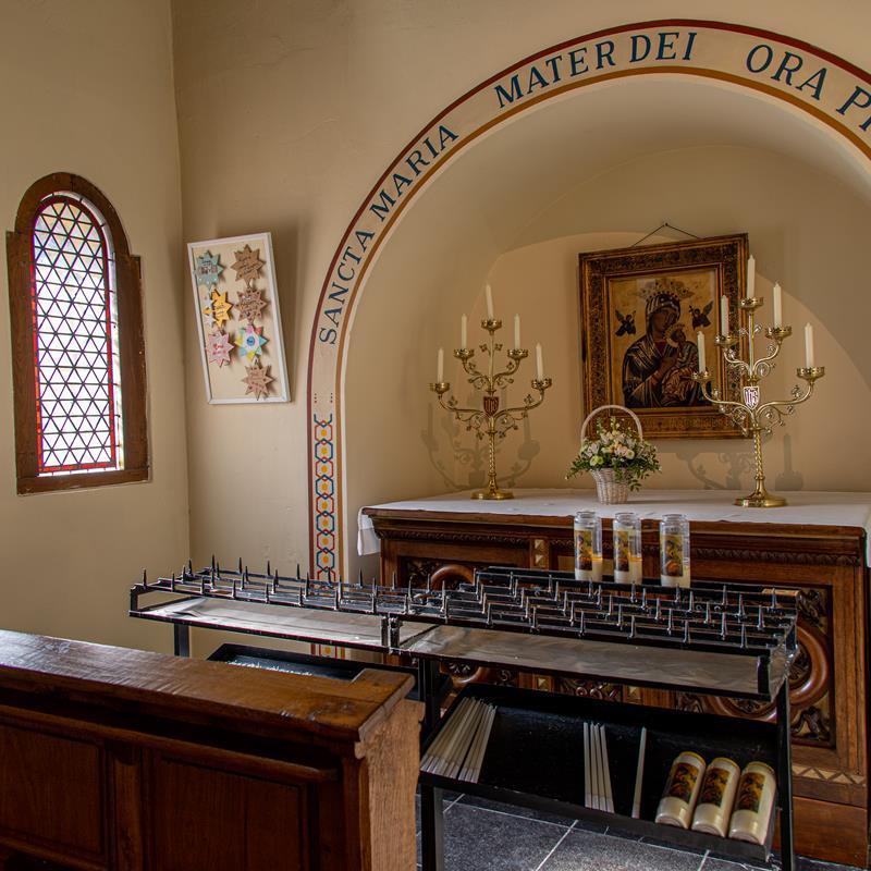 Basiliek Heilige Amelberga - Foto 1